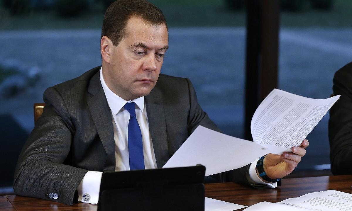 Дмитрий Медведев раскритиковал работу чиновников в СКФО