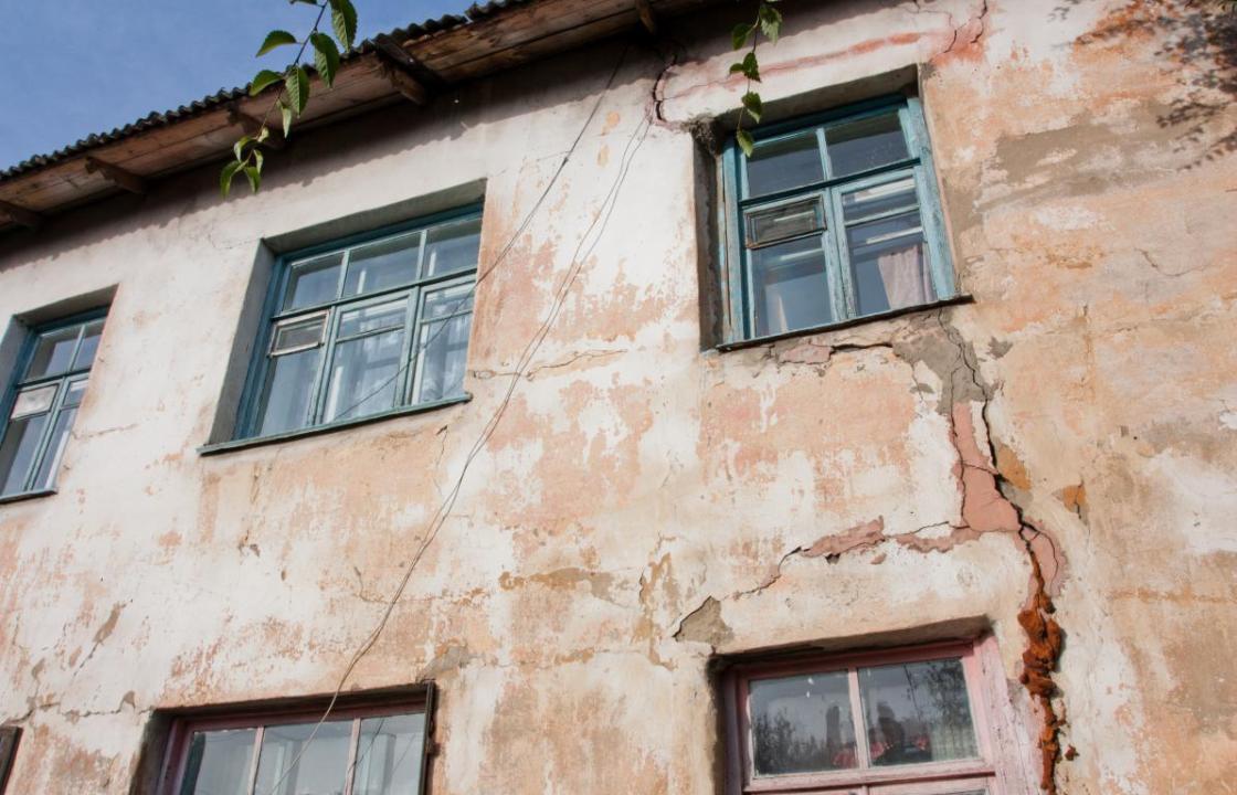 Суд обязал власти Железноводска переселить жильцов из аварийного дома