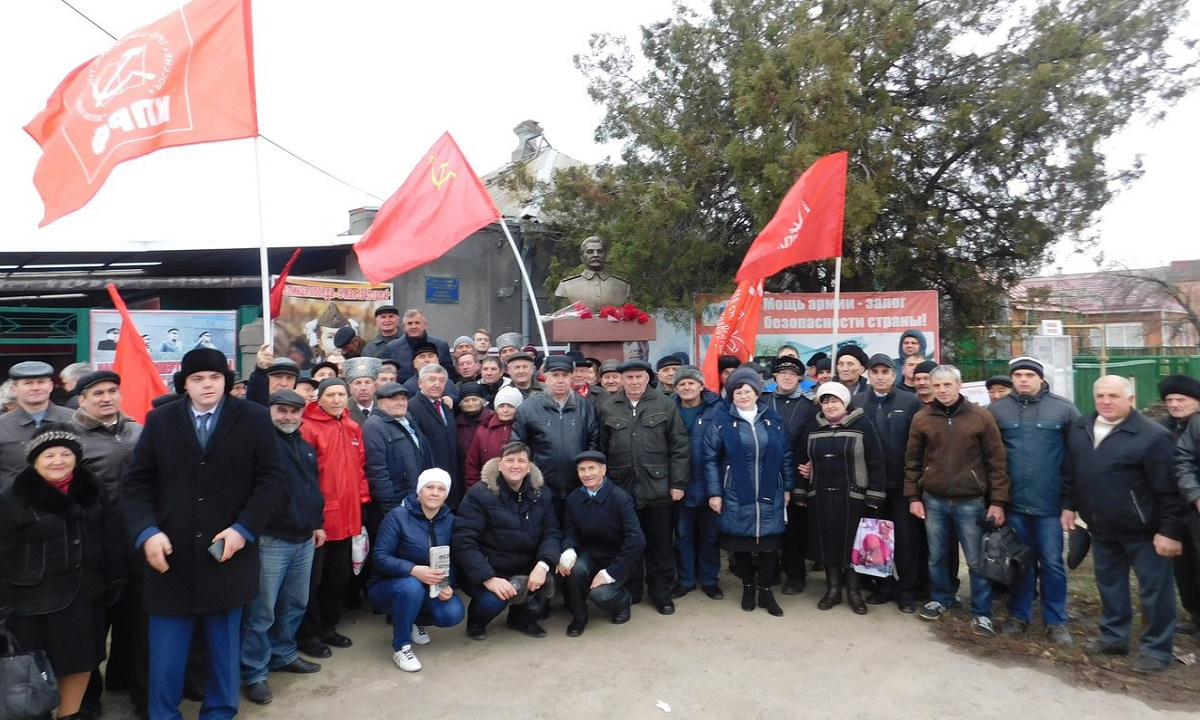 Третий памятник Сталину открыт в Ростовской области