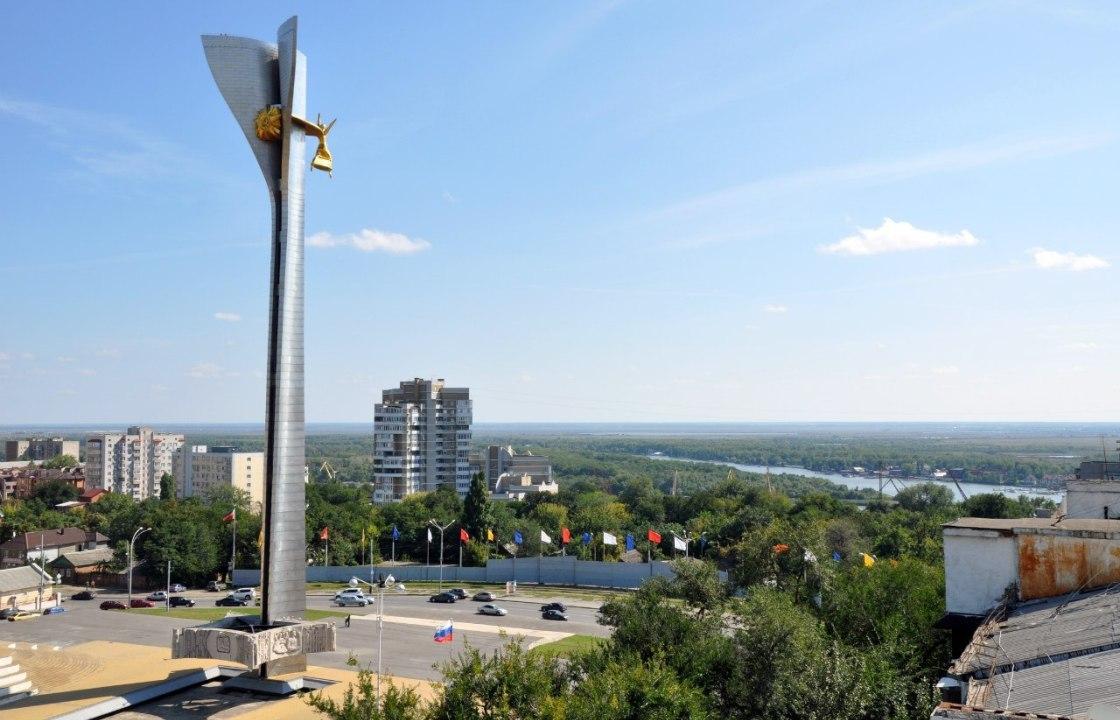 Движение на Театральной площади в Ростове не перекроют на три месяца