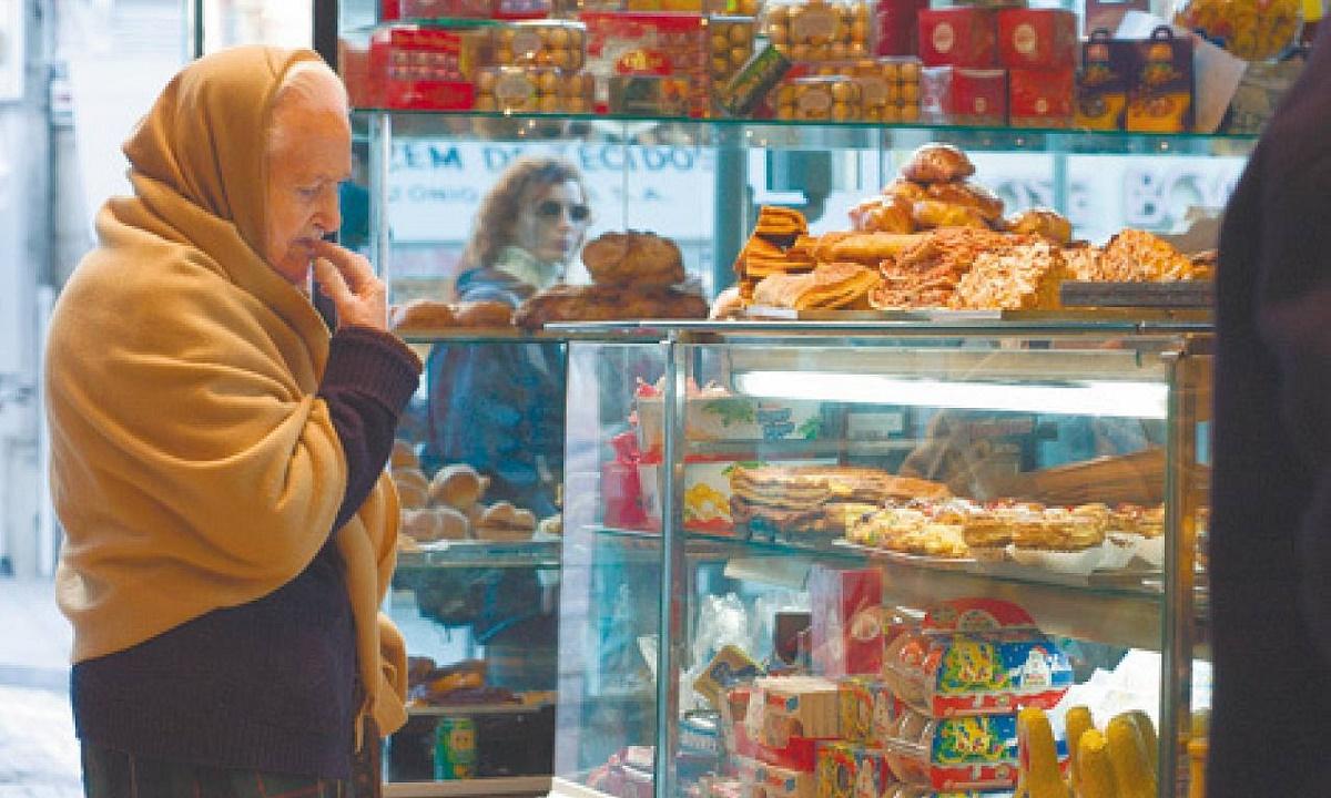 Пенсионерка из Волгограда лишилась 260 тысяч, зайдя в булочную