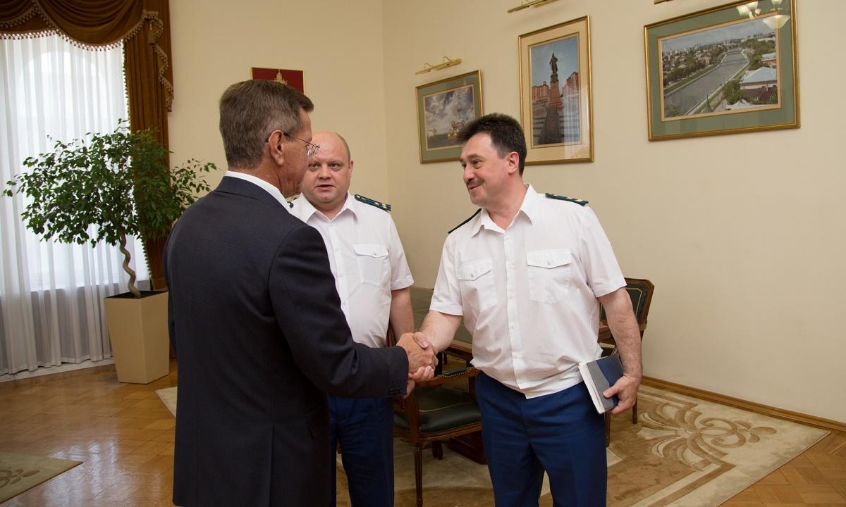 Природоохранный прокурор из Астрахани оказался на скамье подсудимых за взятку