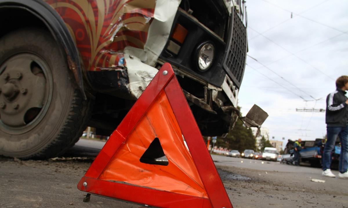 Против водителя грузовика, сбившего перед школой в Темрюке ученицу, возбуждено дело