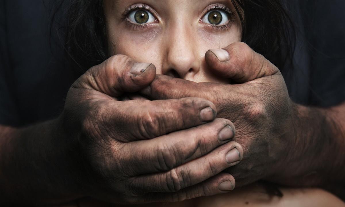 32 года на двоих получили родители из Волгограда, насиловавшие 12-летнюю дочь