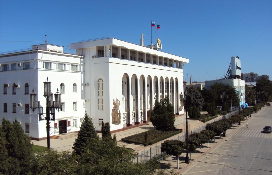 Десятки чиновников из правительства Дагестана получили выговоры и замечания