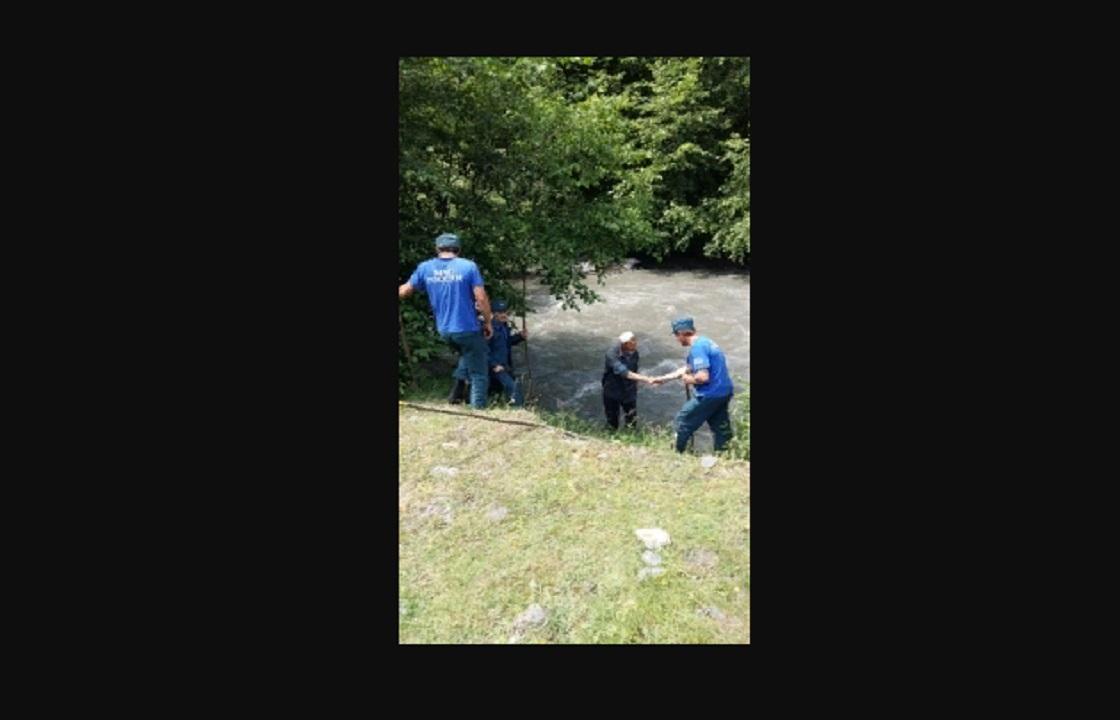 Продолжаются поиски трехлетнего мальчика в Дагестане