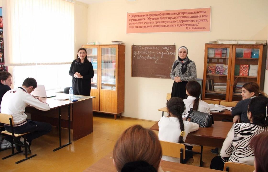 Врачи и учителя Северного Кавказа признаны самыми бедными в стране. Сравним реальные зарплаты