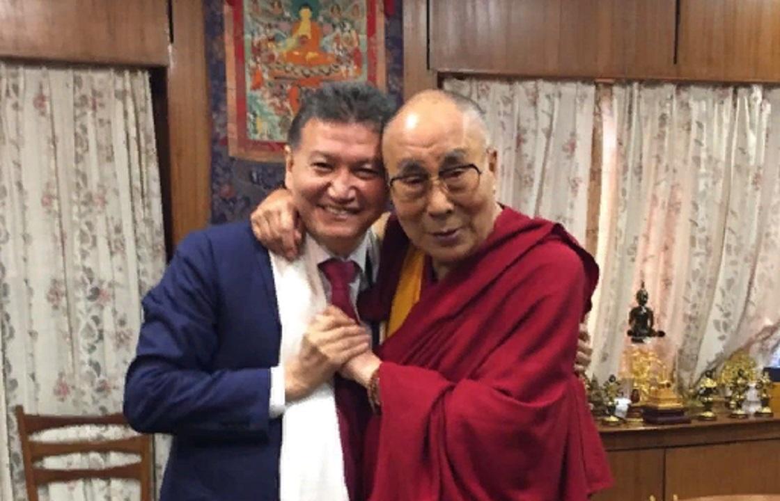 Далай-ламу пригласили освятить Центральный буддийский храм Элисты