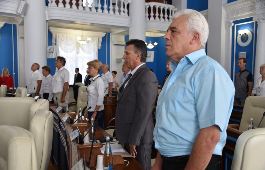 Чиновники Севастополя пропустили свое выступление на открытии сессии заксобрания