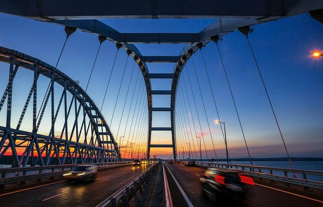 Грузовое движение по Крымскому мосту откроют 1 октября