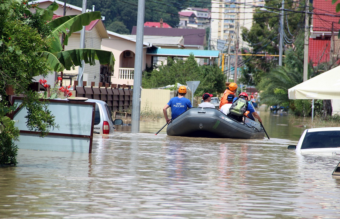 МЧС: подтопленными остаются почти 2000 домов на Кубани