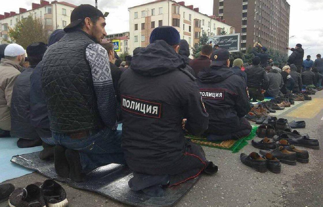 Пятничная молитва объединила тысячи протестующих и полицию в Магасе. Видео