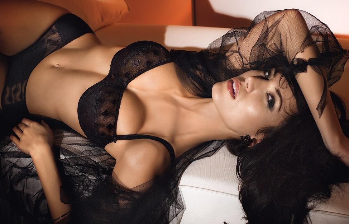 Свекровь из Волгограда выложила в интернет эротические фото бывшей невестки