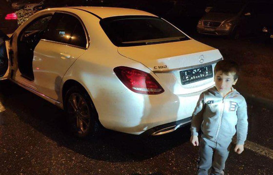Кадыров подарил 5 -летнему чеченскому силачу белый Mercedes