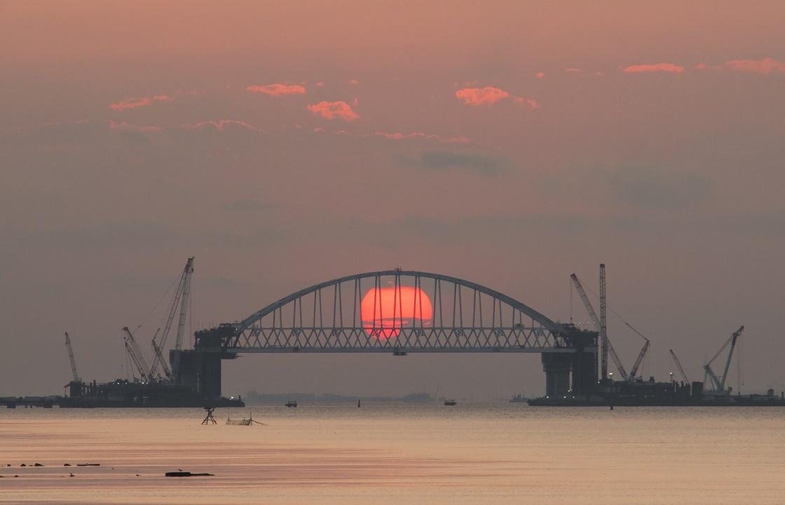 Украинский депутат надеется, что Крымский мост уничтожат инопланетяне