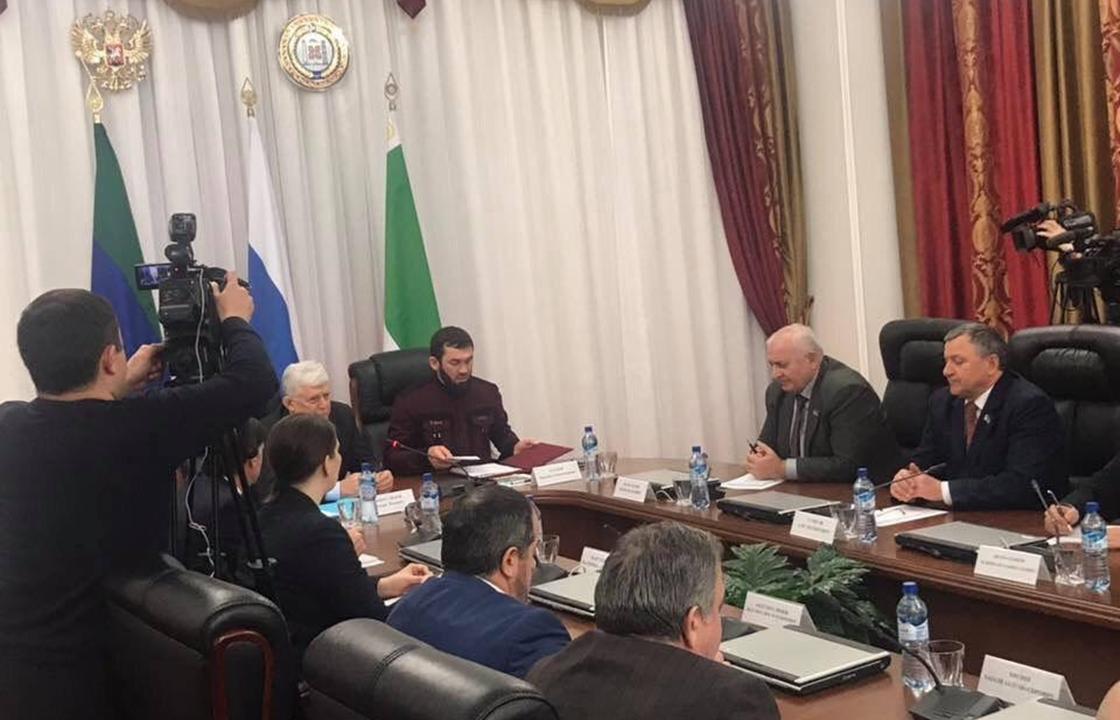 Дагестанская делегация приехала в Чечню обсуждать границу