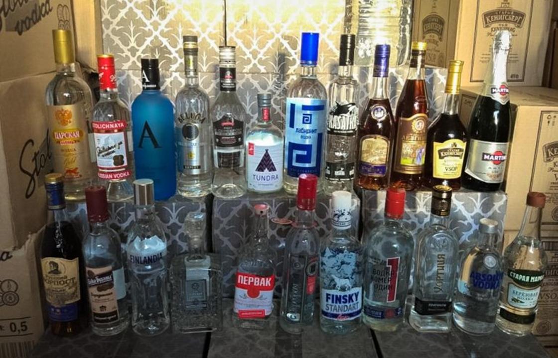 Пять складов, где продавали подпольный алкоголь, обнаружили в Минводах. Видео