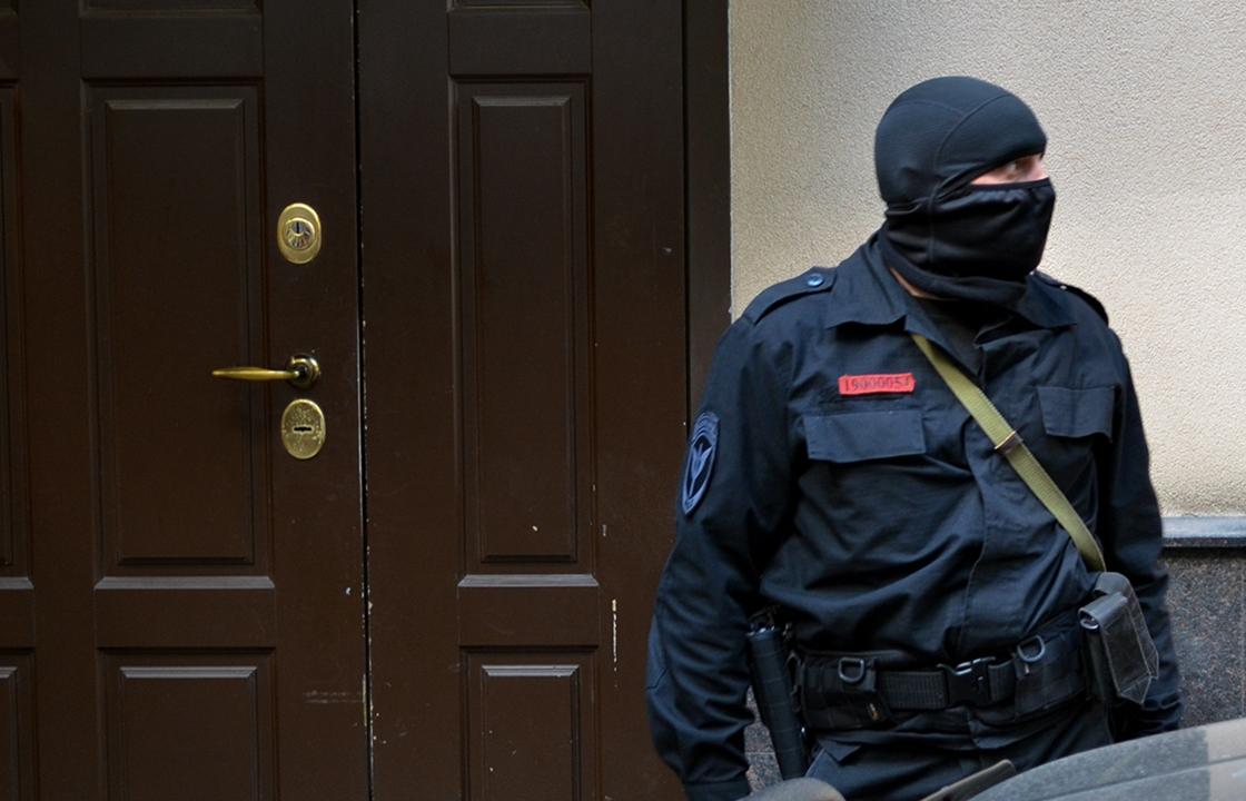 Экс-председатель правительства региона и действующий министр финансов задержаны в Астрахани