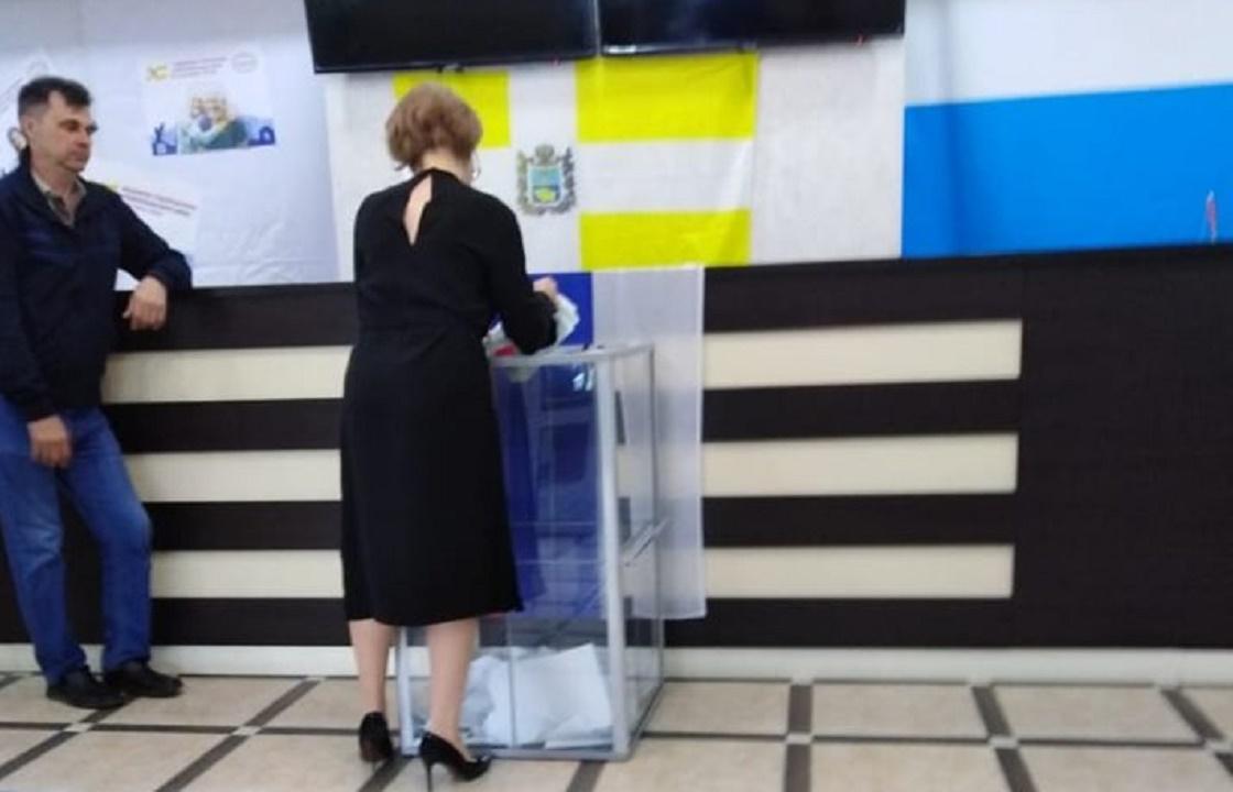 «Ждем прокурора» - наблюдатели сфотографировали вброс в Ставропольском крае
