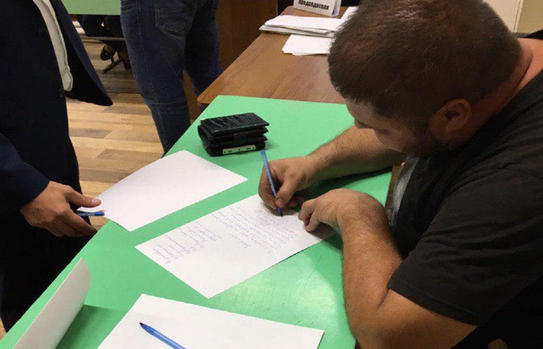 Придя на участок житель Волгограда узнал, что «уже проголосовал»