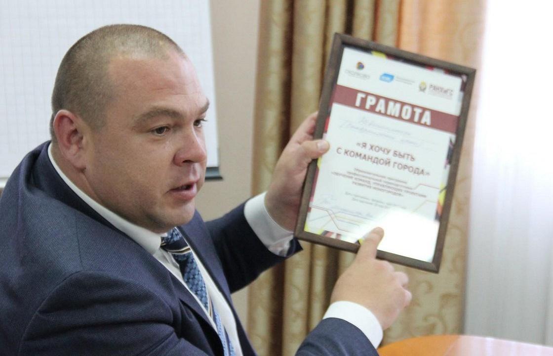 «Текут крыши и всем по мошонке» - мэр Невинномысска «жжет» в соцсетях