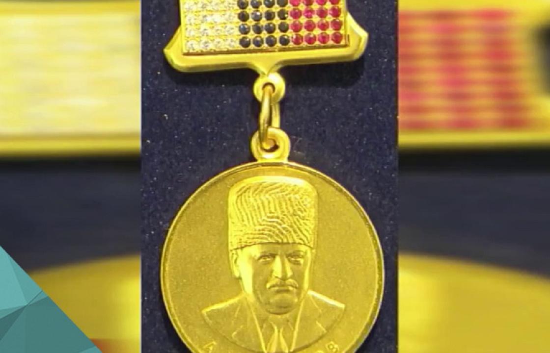 Золото и бриллианты: на награды с портретом Кадырова потратят 4,6 млн рублей