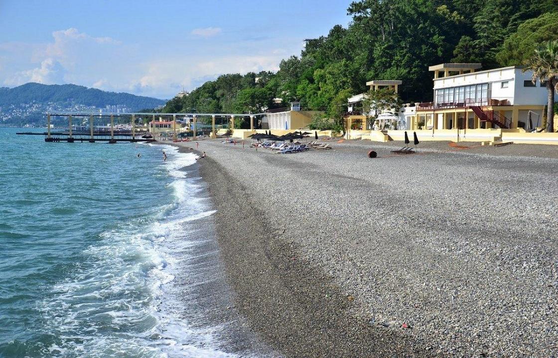 Коронавирусу вопреки: пляжи Сочи готовят к курортному сезону