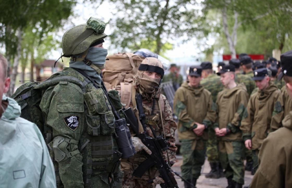 Росгвардеец из Волгоградской области засунул бутылку водки в сослуживца - СМИ