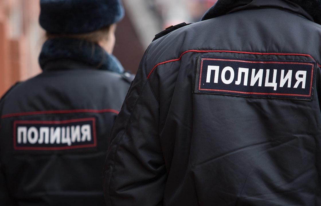 Полицейские из Крыма попались на взятке от перевозчика спирта