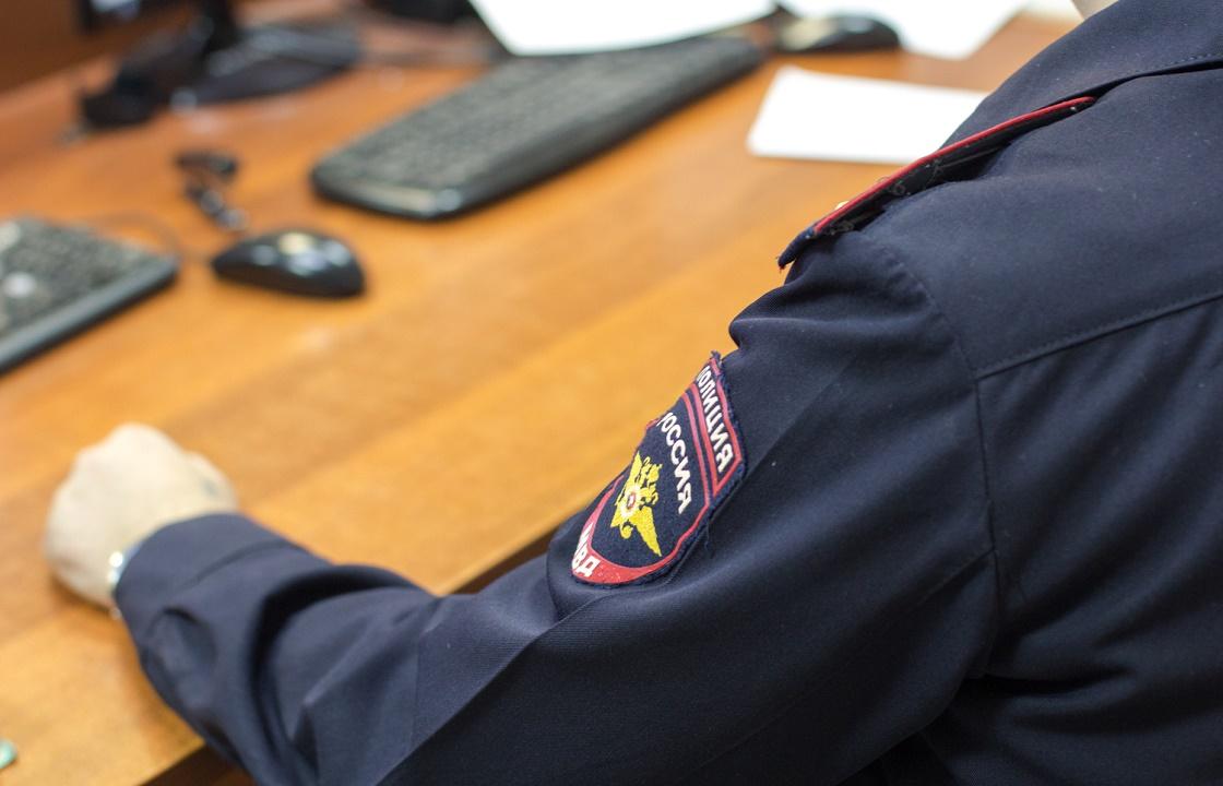 Полицейский из Волжского за 30 тысяч закрыл глаза на нарушение закона