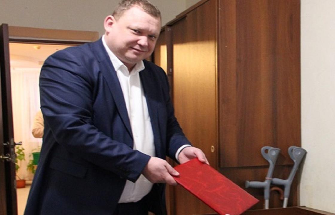 Отстраненный из-за посиделок с криминалом чиновник стал главой района на Ставрополье