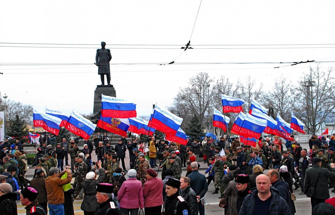В праздник ковид не страшен? В Севастополе на два дня отменили ограничения