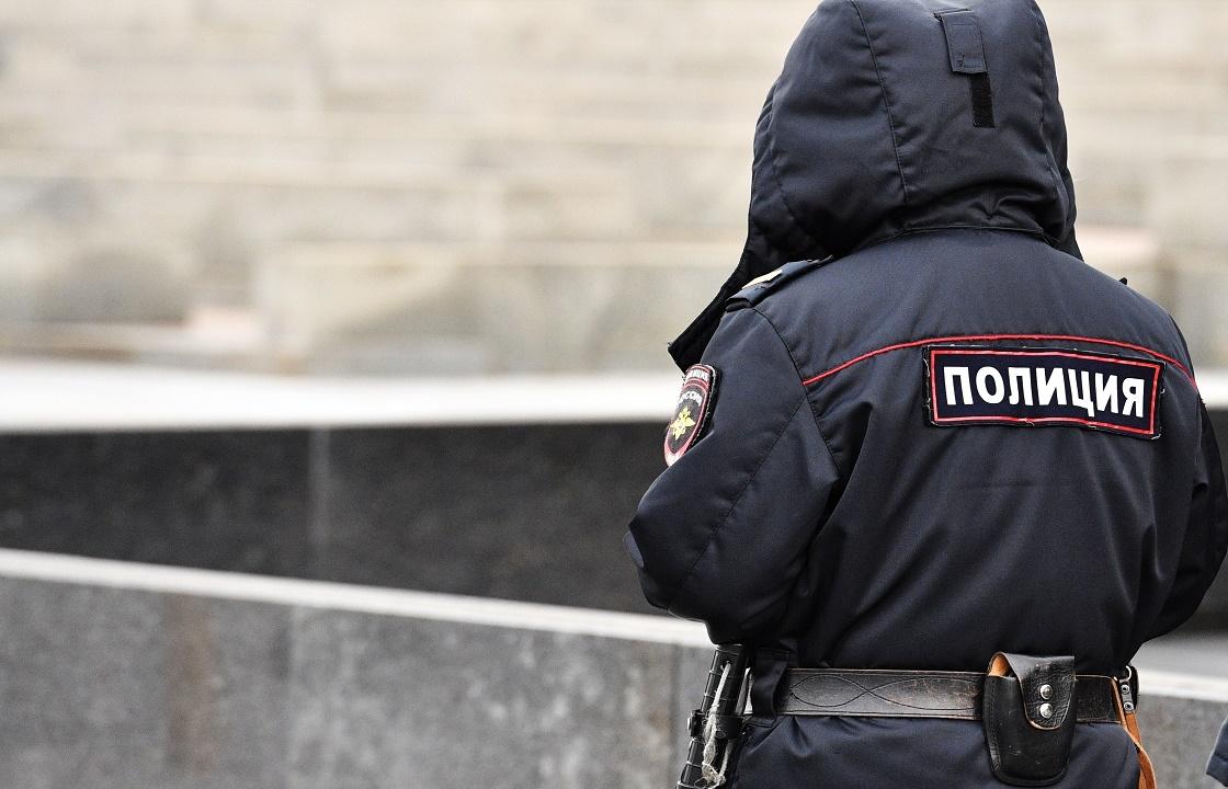 Три года получил полицейский из Грозного за взятку от наркозависимого
