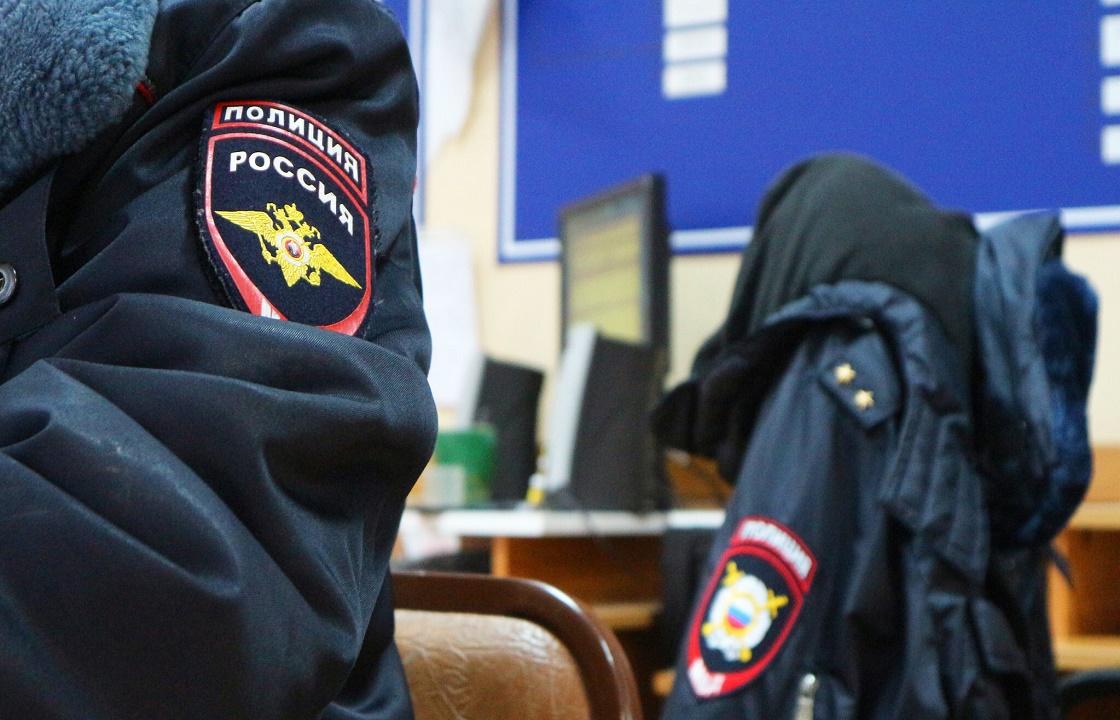 Высокопоставленный полицейский из Севастополя попались на долларовой взятке