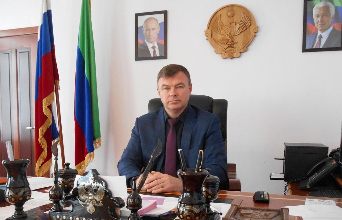 Экс-главу Кизлярского района Дагестана судят за старую взятку