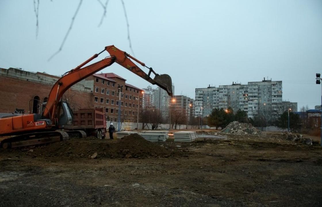 Власти Краснодара успокоили жителей, переживающих за нагрузку школы из-за строительства нового корпуса