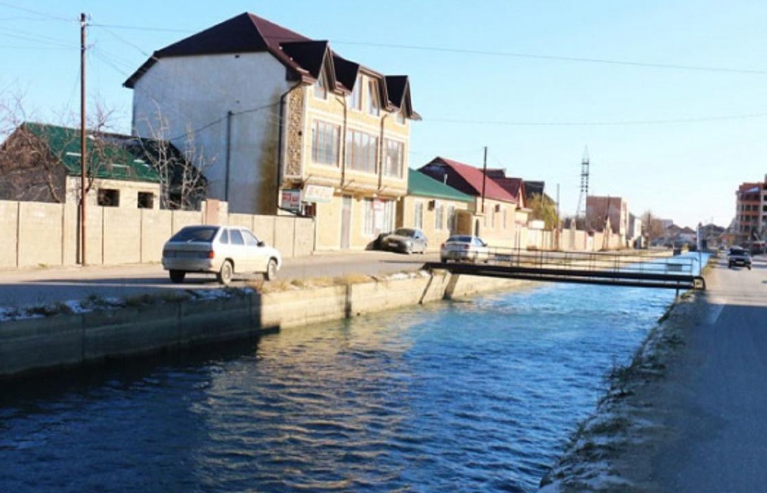Меликов обвинил самих дагестанцев в массовых отравлениях водой