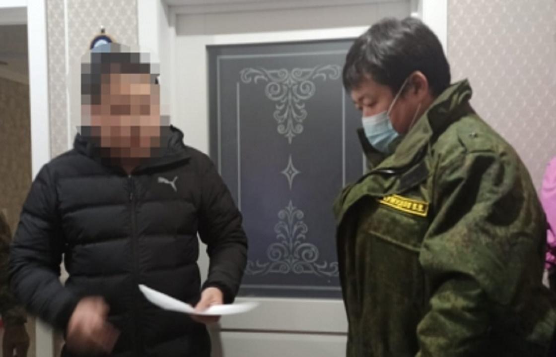 Полицейский из Калмыкии за 40 тысяч освободил вора от ответственности