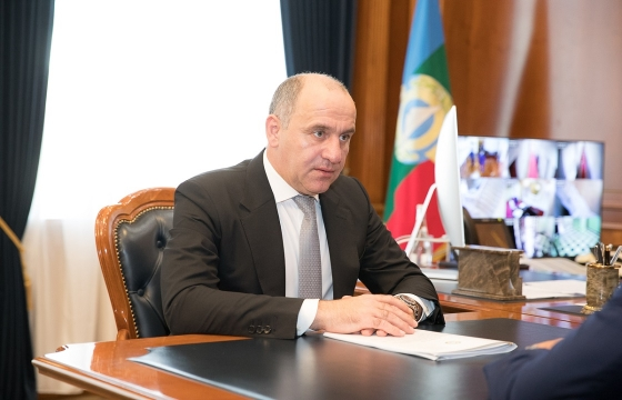 Эксперт объяснил рост позиций Темрезова в рейтинге губернаторов