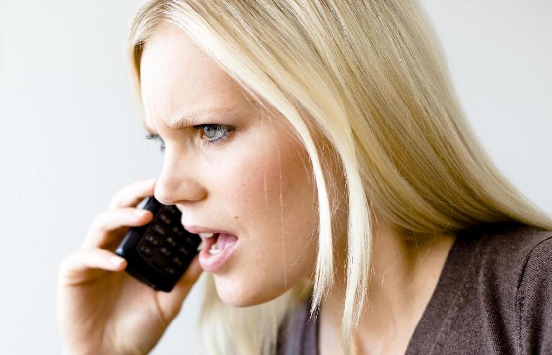 Поговорив по телефону, жительница Новочеркасска потеряла почти 400 тысяч