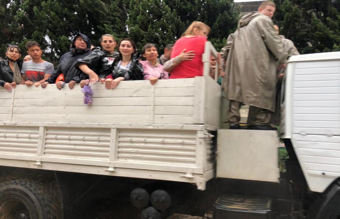 При ЧС в Ялте пострадали восемь человек