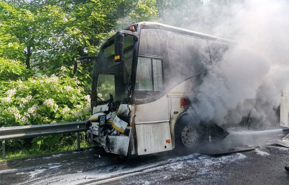 Девять человек пострадали в аварии с автобусами под Туапсе. Фото