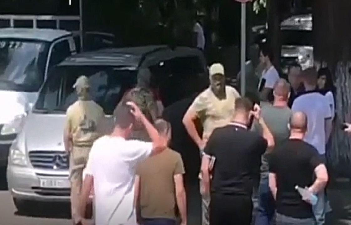 Сразу четверо полицейских задержаны в Геленджике. Видео