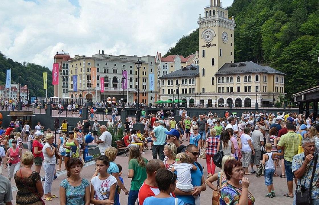На 67% выросло число туристов, прилетевших этим на курорты Краснодарского края