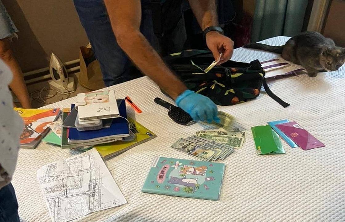 Группа мошенников в Сочи продавала поддельные сертификаты