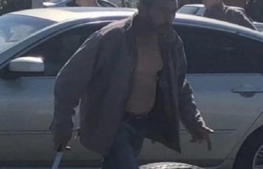 Мужчина с тесаком напал на подростков в Батайске. Подробности