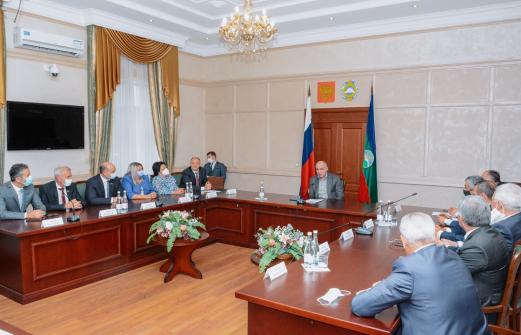 Единственно верное решение: эксперты поддержали переизбрание Темрезова