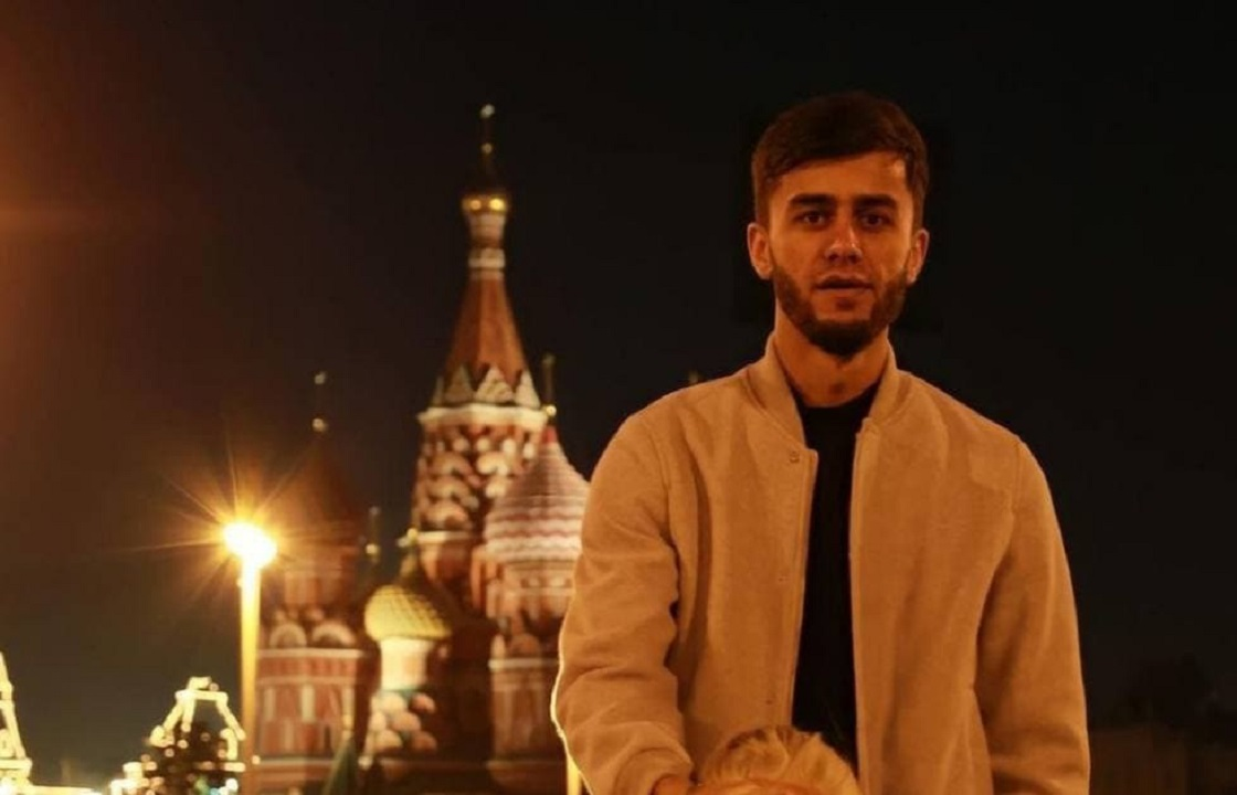 Имитировавший минет на Красной площади блогер из Сочи просит о депортации