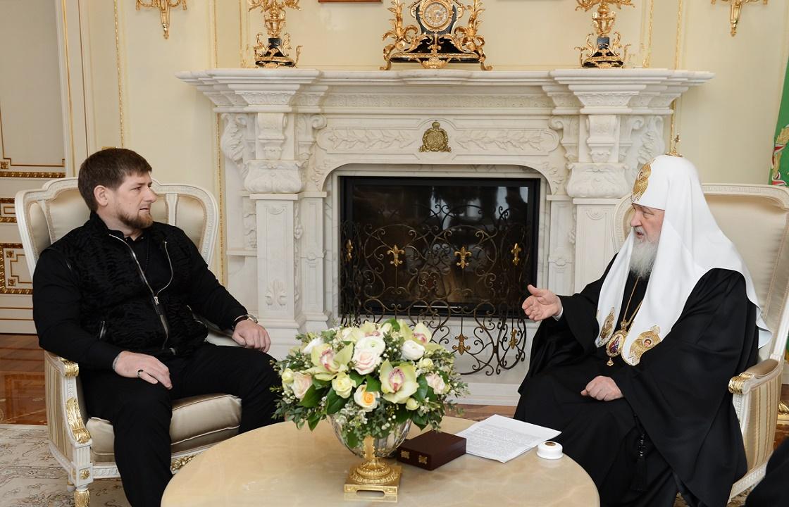 Патриарх Кирилл поблагодарил Кадырова за улучшение качества жизни чеченцев